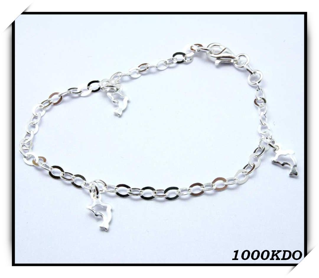 http://1000kdo.free.fr/1000kdo/bijoux%20femme/bracelet/argent/IMG_3401.jpg