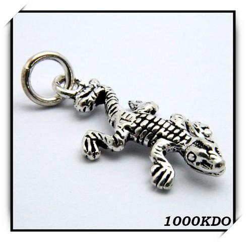 http://1000kdo.free.fr/1000kdo/bijoux%20femme/collier/argent/IMG_2296.jpg